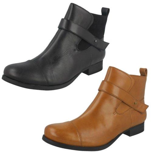 Ladies Clarks Ankle Boots Ladbroke Magic - D Fit